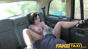 Stacked English pornstar shows skills to taxi driver