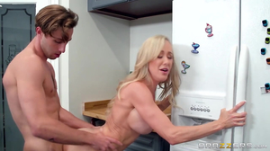 Plumpy Brandi Love gets fucked by horny dude in kitchen