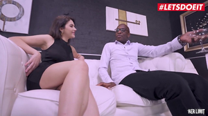 Perfect ass Valentina Nappi orgams as BBC hits her pussy